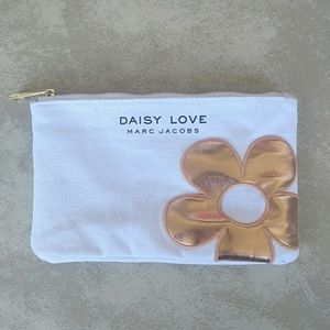Daisy Love Marc Jacobs White Cosmetic Pouch